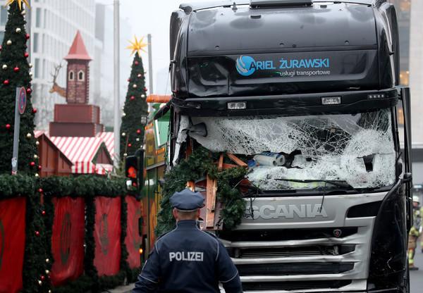 Terroranschlag Detail: Lkw-Todesfahrt War Wohl Terroranschlag